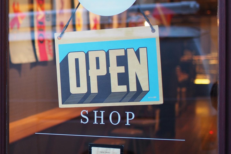 Carte Open Shop sur une porte-1