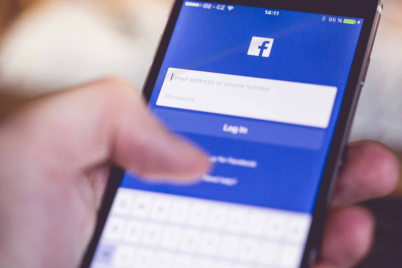 facebook-mobile.jpg
